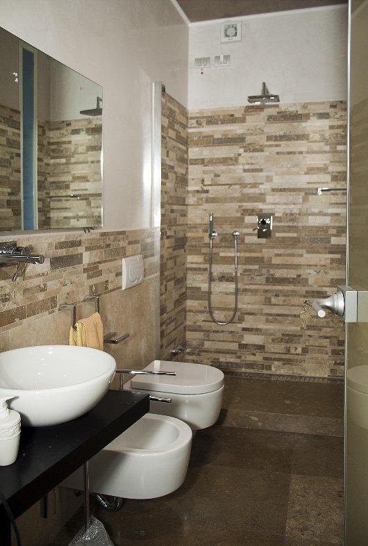 Villa sulla collina di fiesole - Arredo bagno mosaico ...