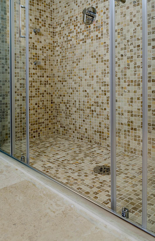 Hotel la residenza dell orafo tutti i bagni in pietra di rapolano - Mosaico per bagno doccia ...