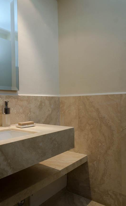 Bagno Con Marmo: Bagno matrice con marmo nero fotografia stock libera da diritti.