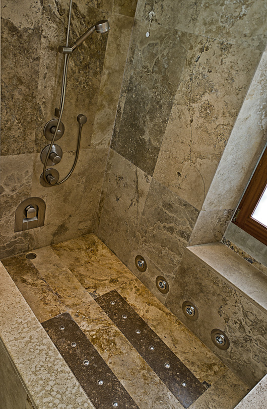 Casa colonica sulle colline fiorentine - Vasca da bagno in pietra ...