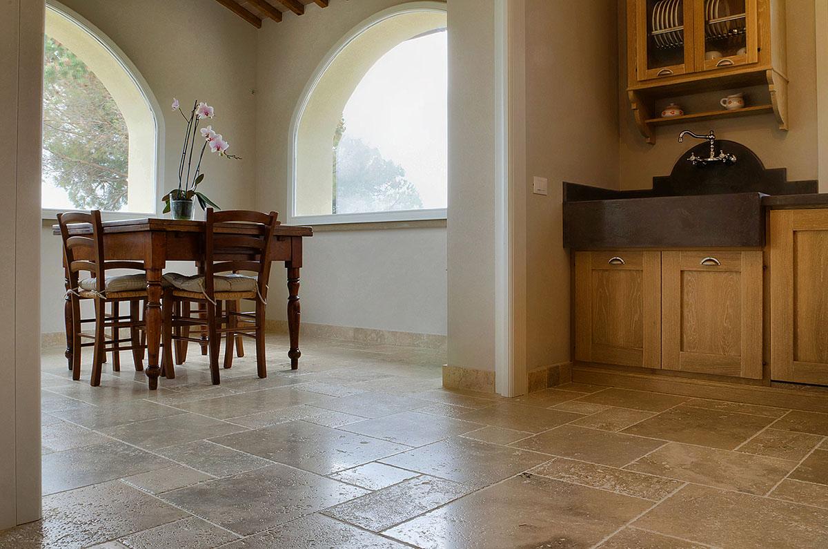 Pavimenti per cucine rustiche zc83 regardsdefemmes for Pavimenti per cucina e soggiorno