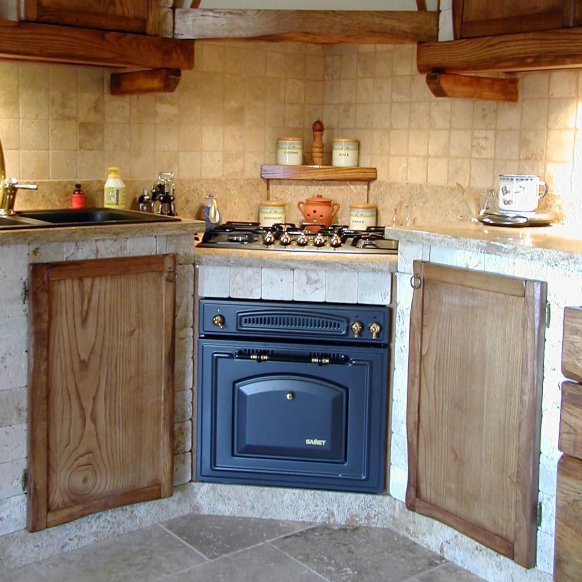 L uso del marmo in cucina - Cucina rustica muratura ...