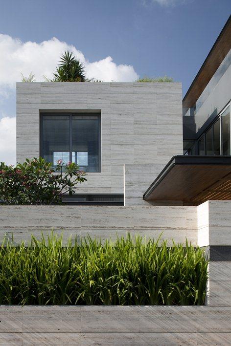 Una casa da sogno realizzata in travertino for Casa in pietra moderna