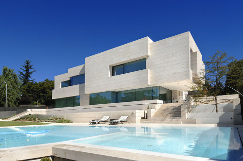 a-cer's travertine villa in pozuelo de alarcon madrid spain