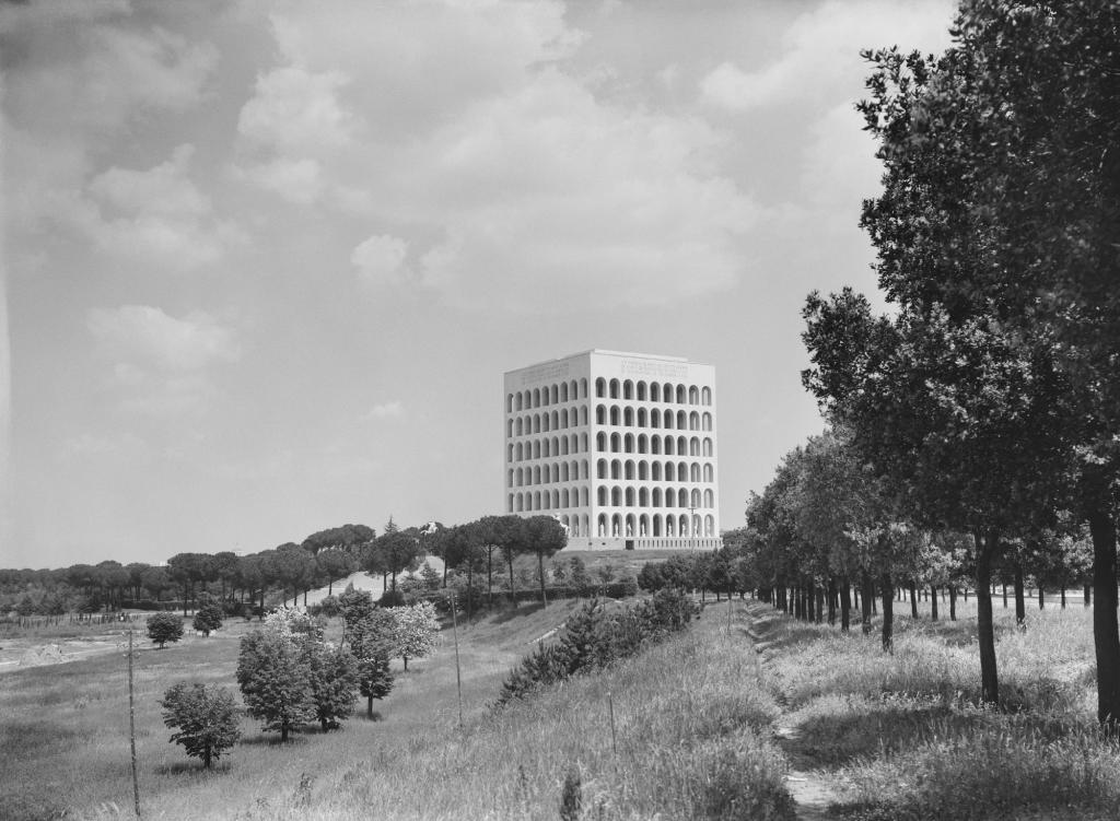 eur 1942 palazzo civilt italiana expo roma