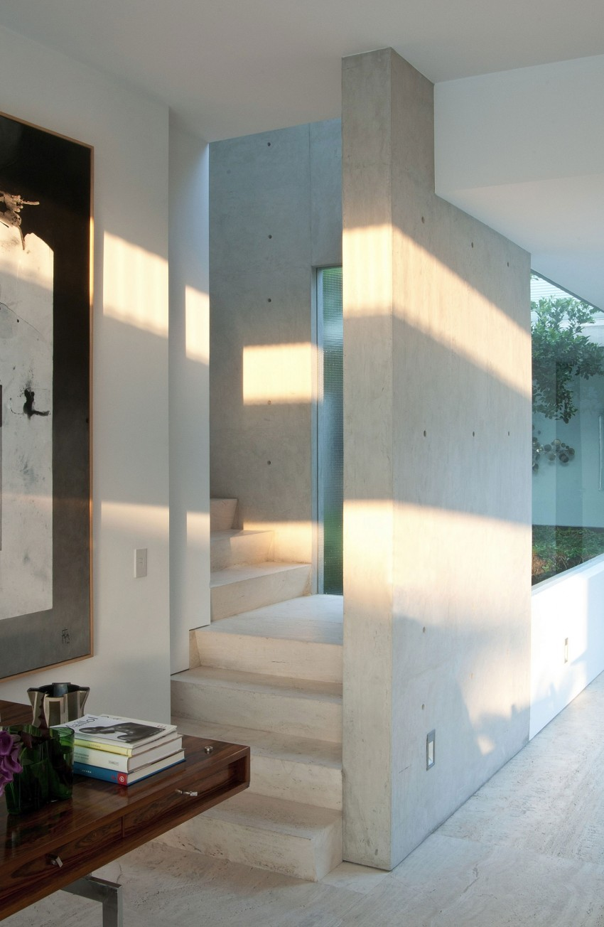 Appartamento di lusso con rivestimenti in travertino - Interni arquitectos ...