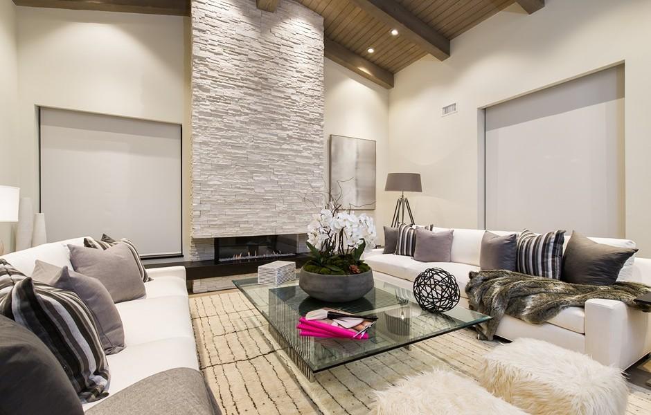 Soggiorno Con Rivestimento In Pietra : Brentwood California Mansions