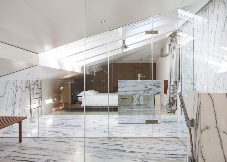 rivestimenti bagno turco marmo bianco venato appartamento lisbona