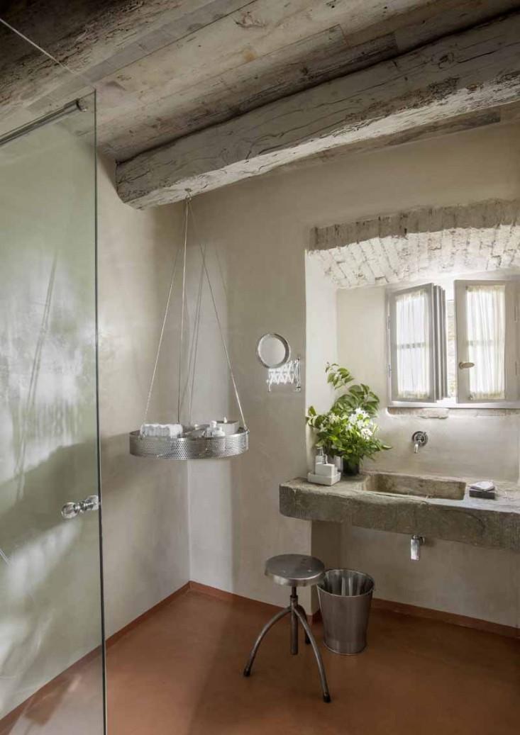 Il fascino dello stile country nel complesso monteverdi in toscana - Bagno in pietra ...
