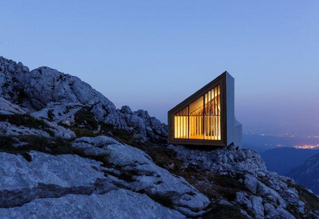 Un rifugio alpino nelle alpi di kamnik in slovenia for Rifugio in baita di montagna