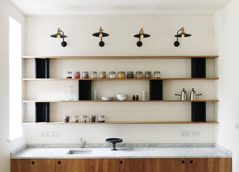 studio-maclean-yellow-dot-kitchens-colelzione-cucine-su-misura-marmo